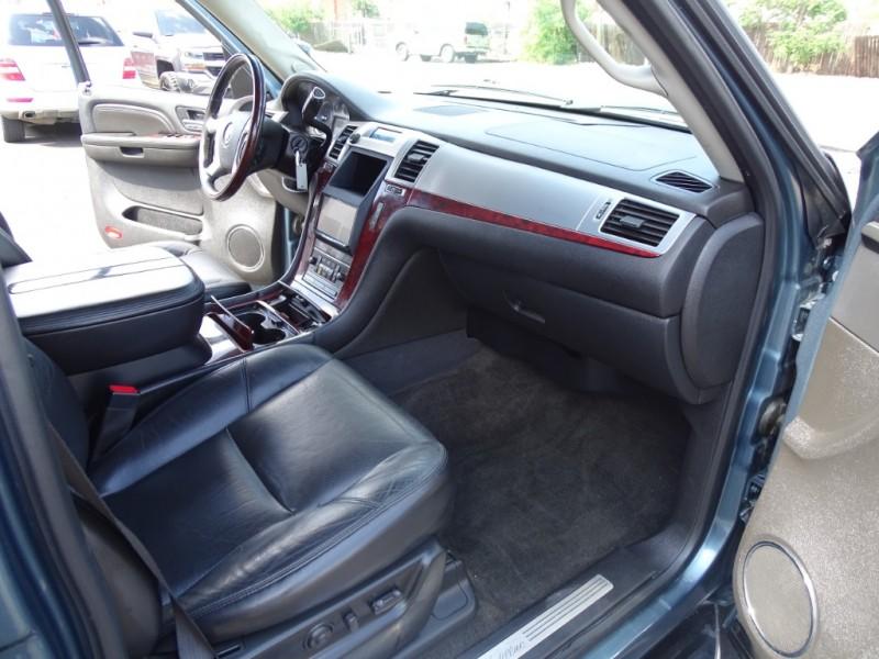 Cadillac Escalade 2009 price $14,500