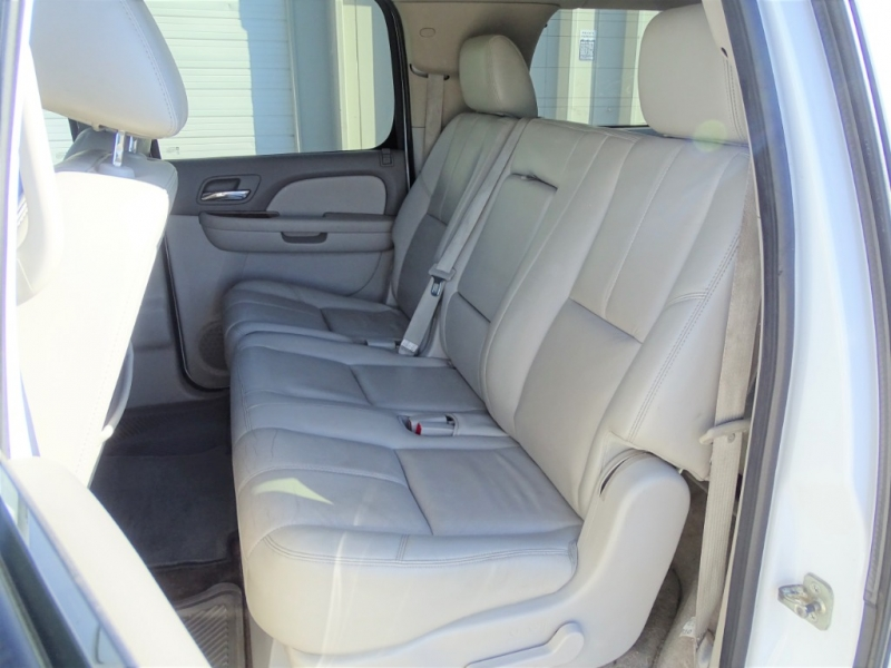 GMC Yukon XL 2011 price $15,995