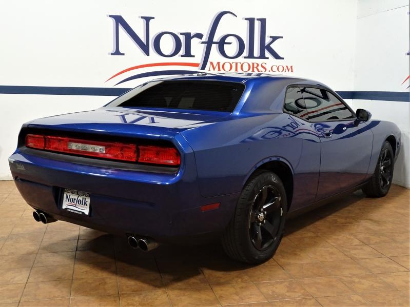 Dodge Challenger 2010 price $10,995