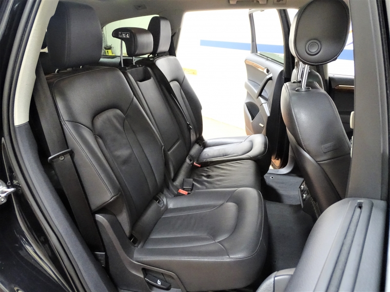 Audi Q7 2015 price $15,995