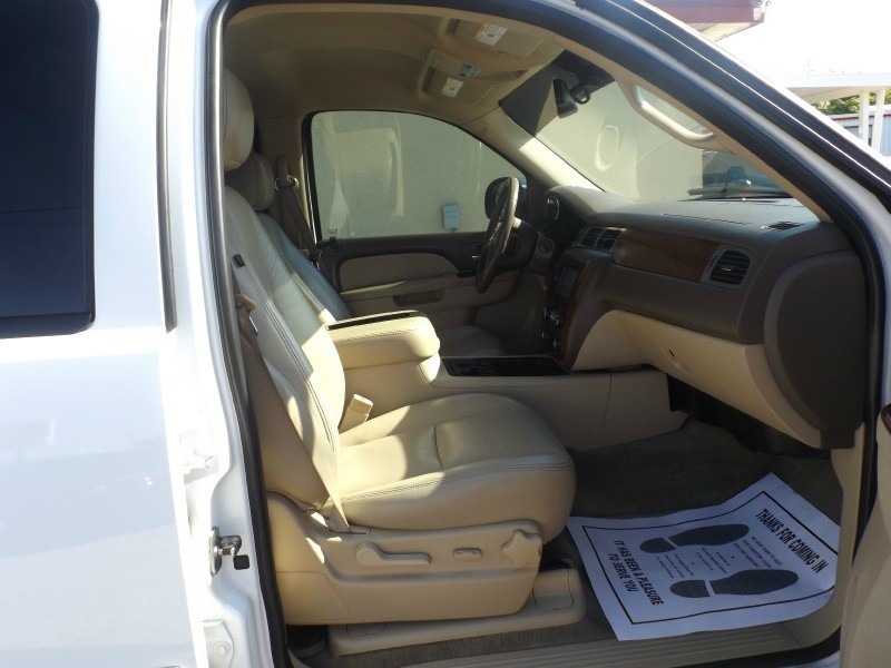 Chevrolet Tahoe 2011 price $15,990