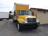International 4300 BOX TRUCK 2011
