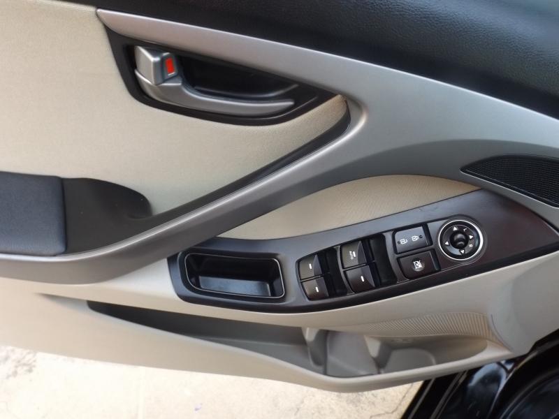 Hyundai Elantra 2015 price $8,990