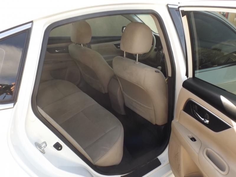 Nissan Altima 2015 price $10,990