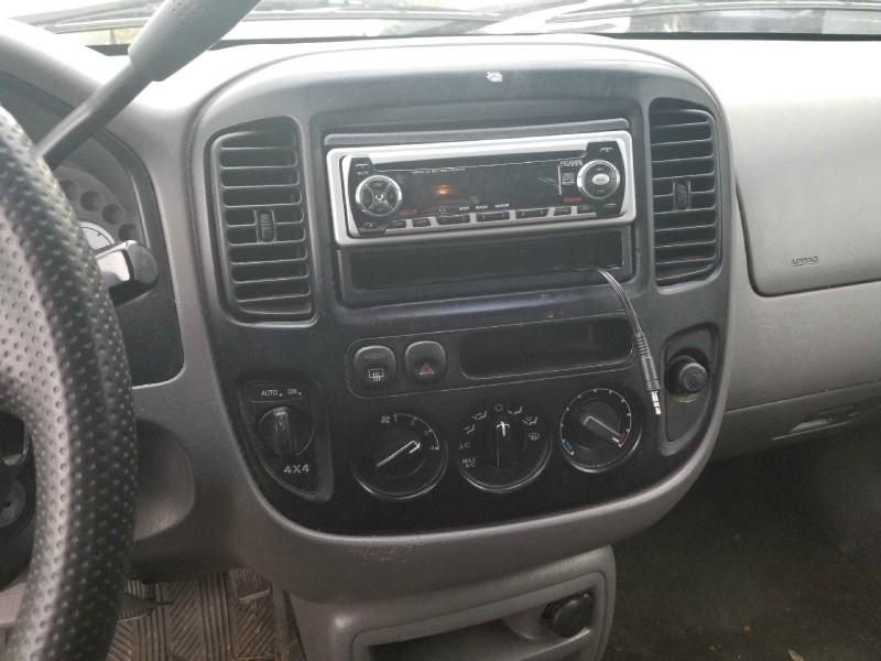 Ford Escape 2001 price $1,495 Cash