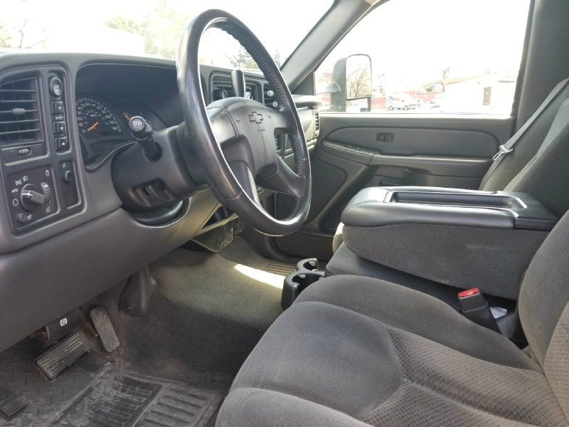 Chevrolet Silverado 1500 2004 price $6,495 Cash