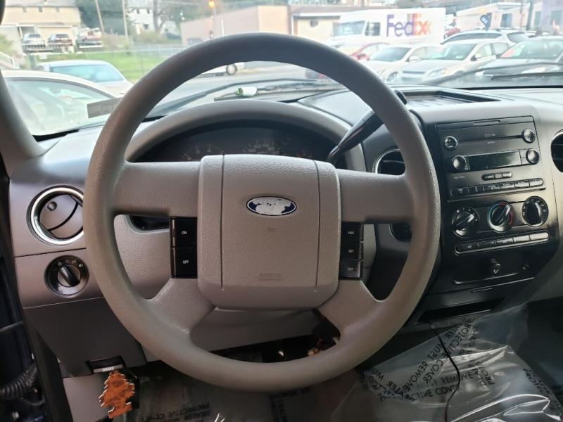 Ford F-150 2005 price $5,995 Cash