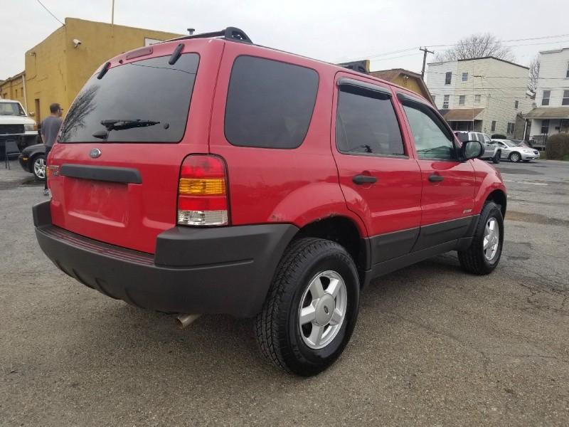 Ford Escape 2001 price $995 Cash