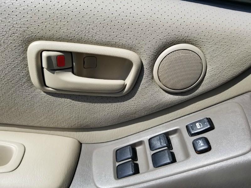 Toyota Highlander 2004 price $3,495 Cash