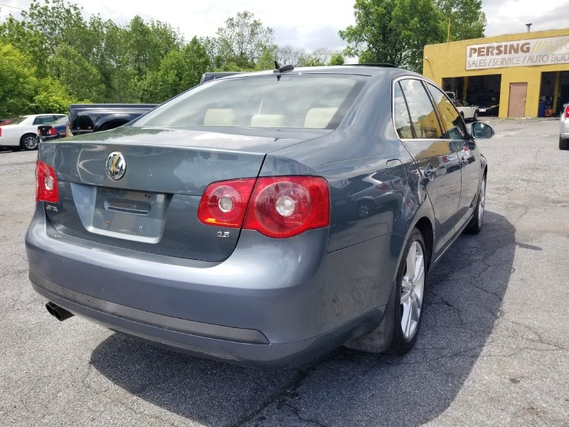 Volkswagen Jetta Sedan 2006 price $2,995 Cash