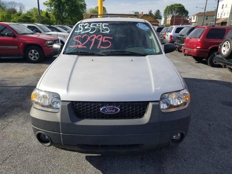 Ford Escape 2005 price $2,995 Cash