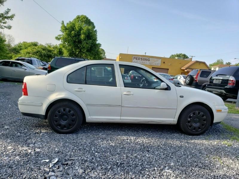 Volkswagen Jetta Sedan 2004 price $1,895