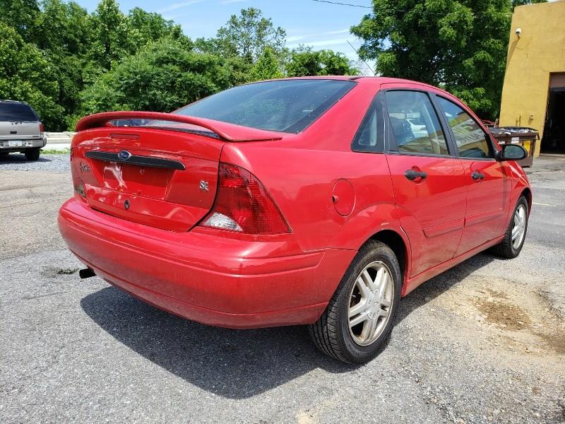 Ford Focus 2001 price $2,495 Cash