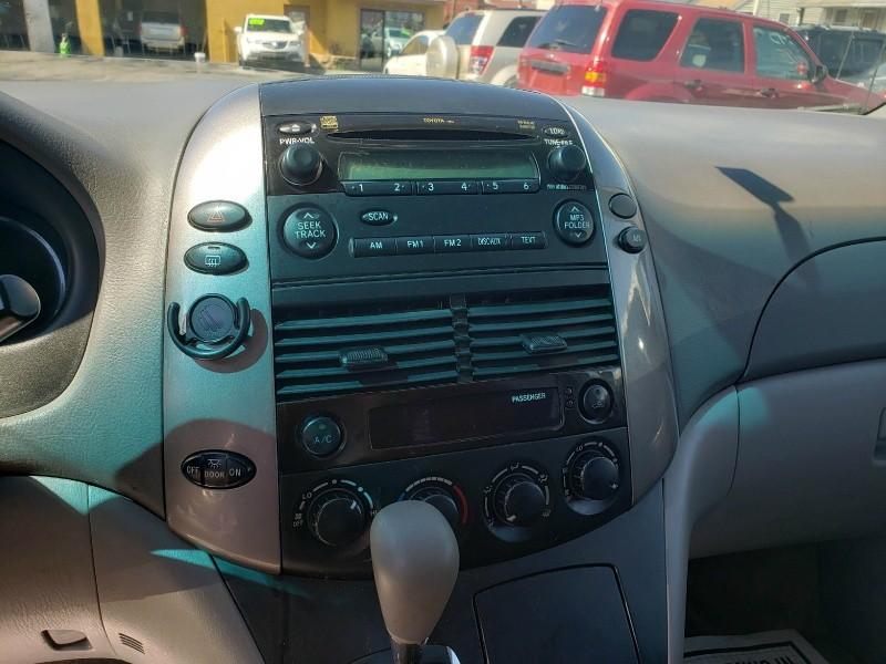 Toyota Sienna 2006 price $3,995 Cash