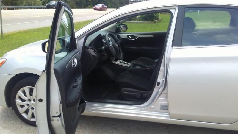 Nissan Sentra 2015 price $34.00 Per Day