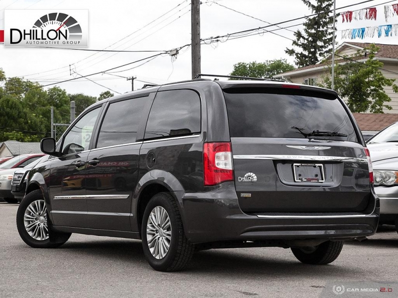 Chrysler Town Country Touring L 2016 price $20,980