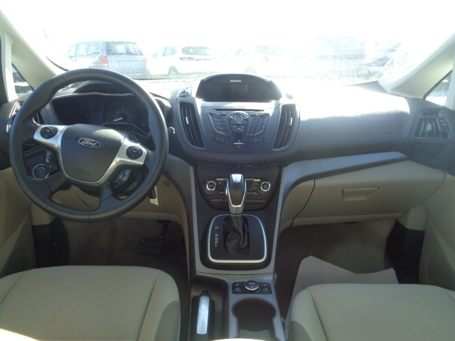 Ford C-Max Hybrid 2015 price $15,950