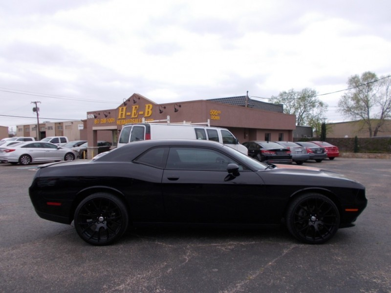 Dodge Challenger 2015 price $17,500