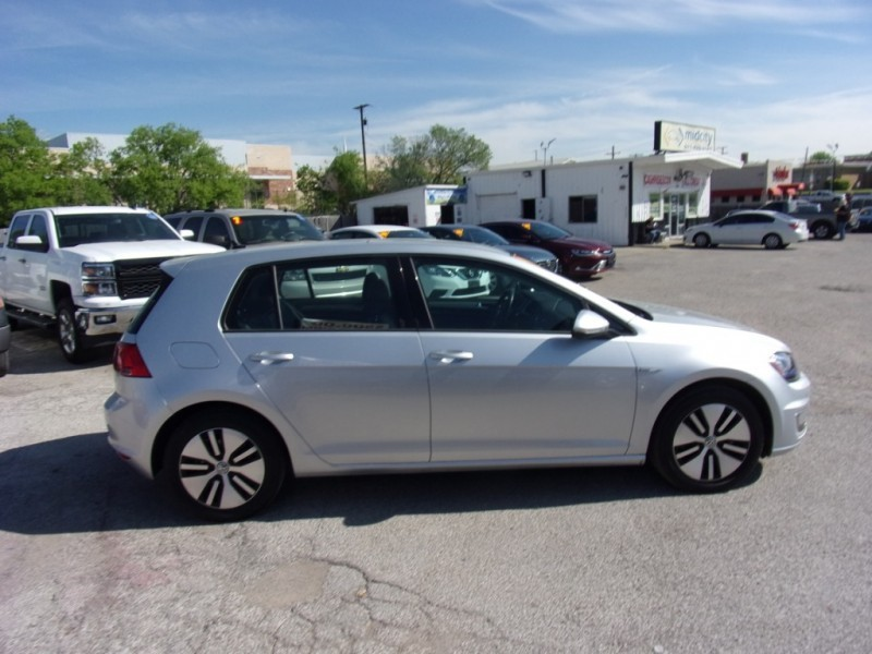 Volkswagen e-Golf SEL model. 90mile range 2015 price $13,995
