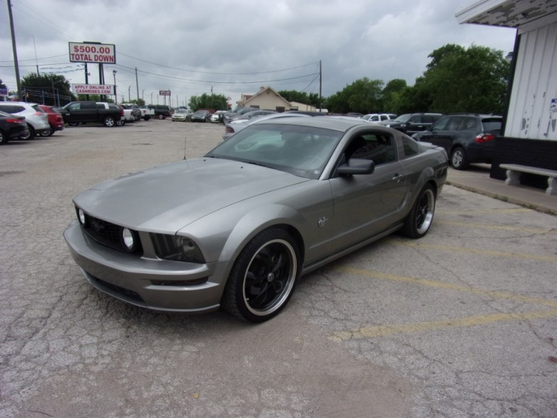 Ford Mustang 2009 price $10,995