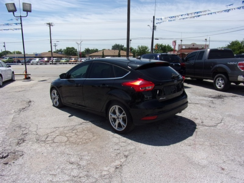 Ford Focus 2015 price $9,500
