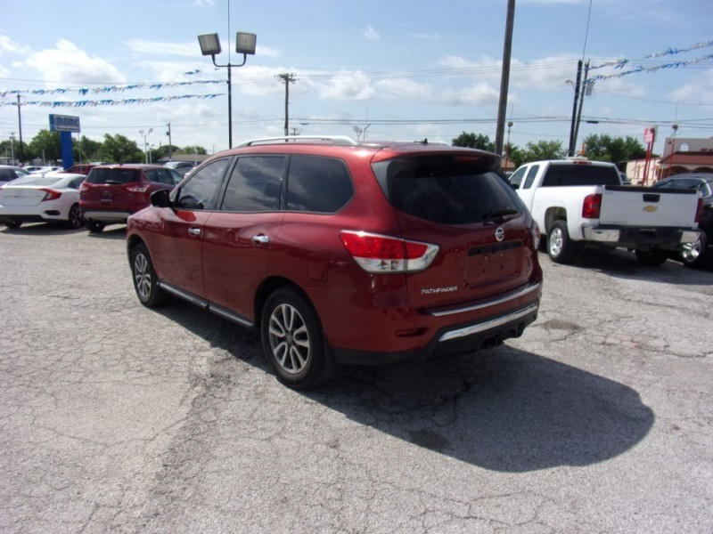 Nissan Pathfinder 2013 price $10,500