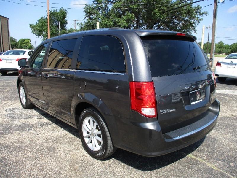 Dodge Grand Caravan 2018 price $16,500