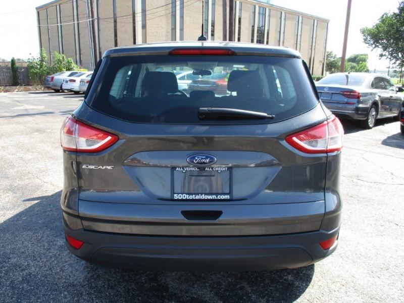 Ford Escape 2016 price $12,995
