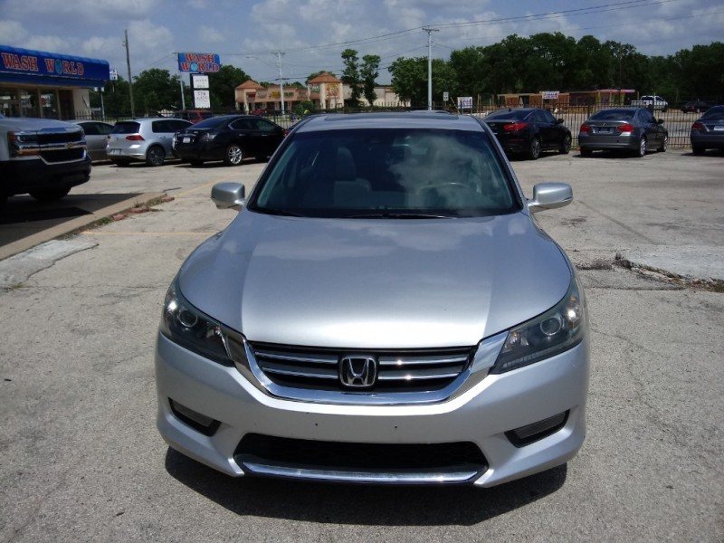 Honda Accord Sedan 2015 price $14,995
