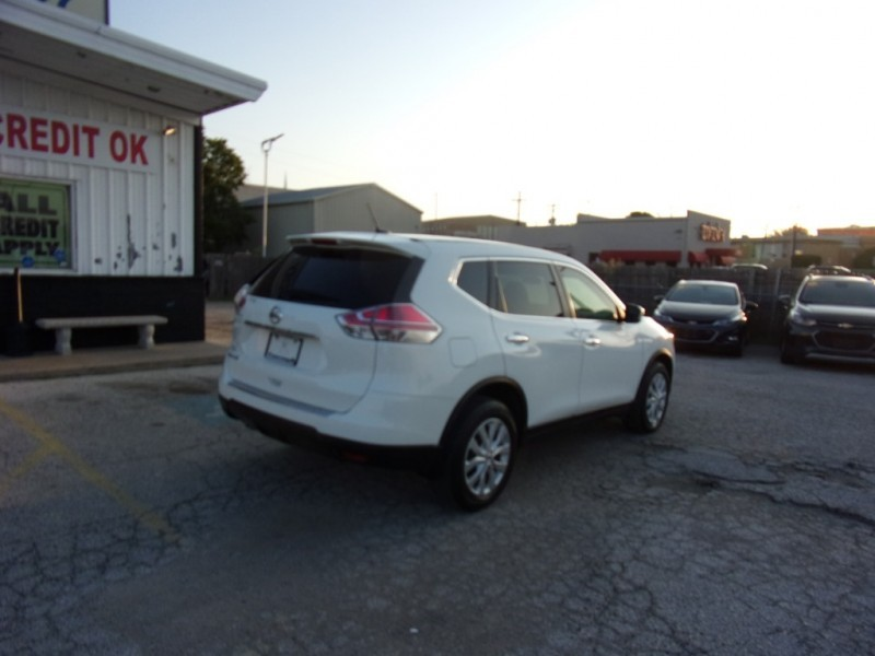 Nissan Rogue 2015 price $13,500