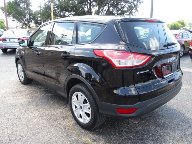 Ford Escape 2016 price $11,995