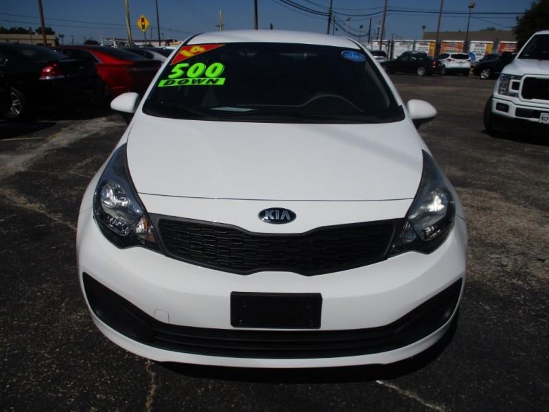 Kia Rio 2014 price $7,999