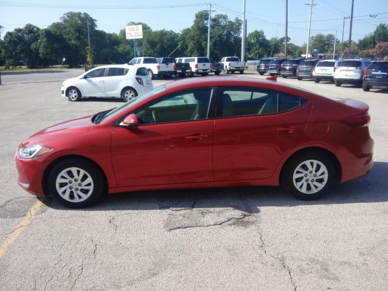 Hyundai Elantra 2017 price $12,500