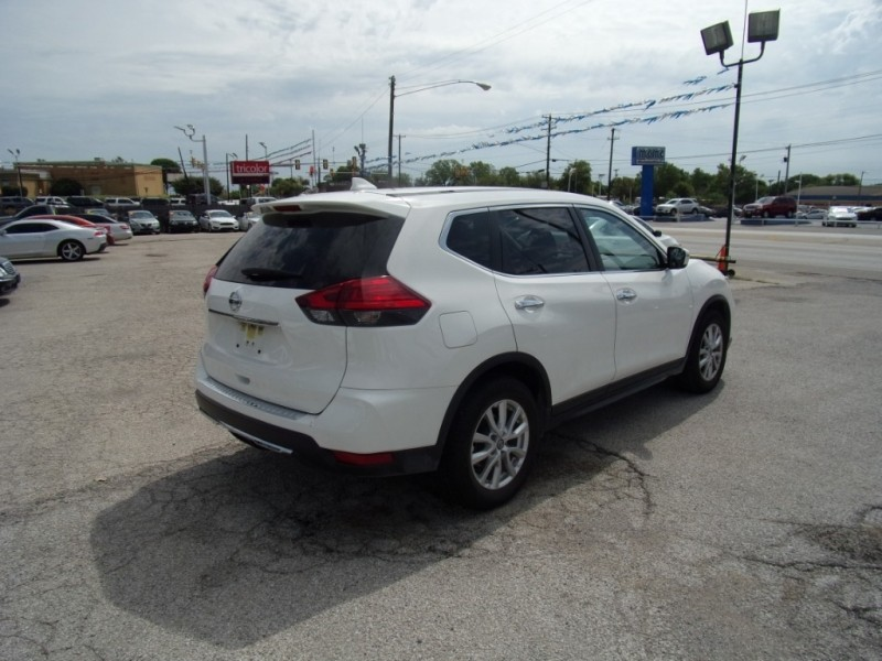 Nissan Rogue 2017 price $15,995