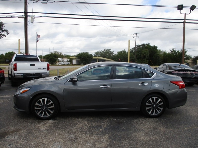 Nissan Altima 2017 price $13,995