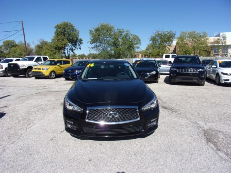 Infiniti Q50 premium w lots of pkgs 2016 price $20,995