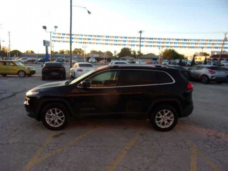 Jeep Cherokee 2015 price $15,500