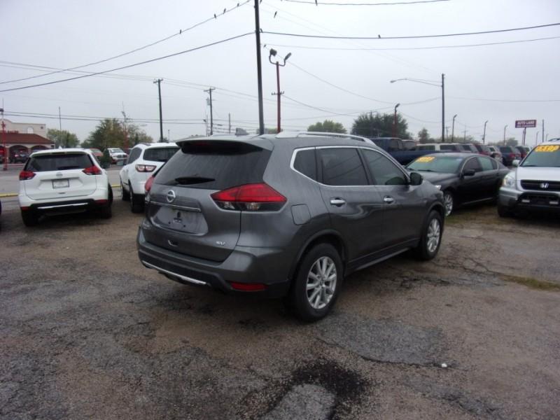Nissan Rogue 2017 price $13,995