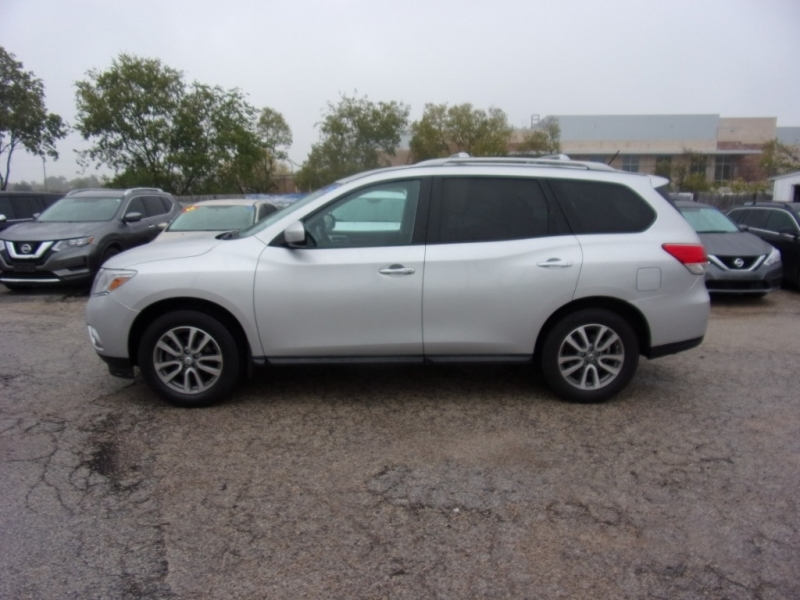 Nissan Pathfinder 2016 price $16,995