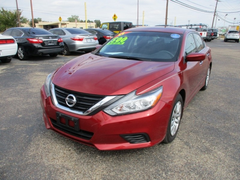 Nissan Altima 2017 price $13,950