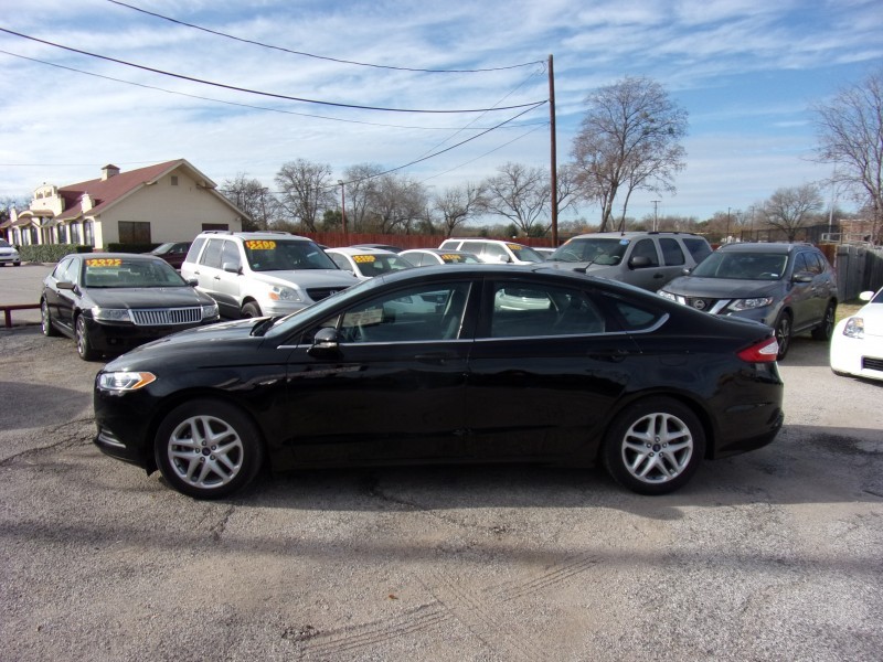 Ford Fusion 2016 price $10,995