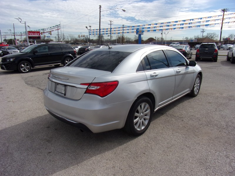 Chrysler 200 2011 price Call for Pricing.