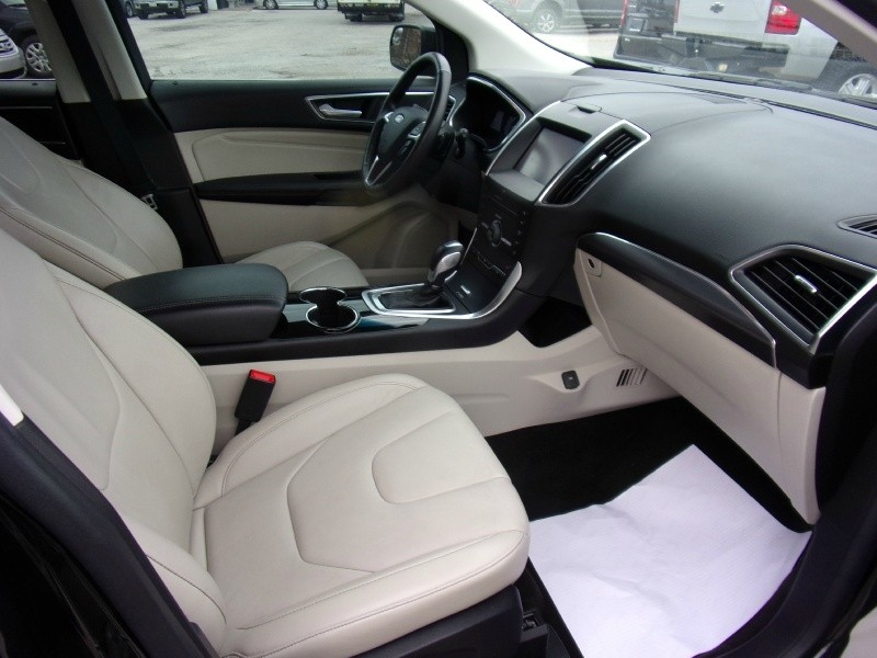 Ford Edge 2015 price $15,950