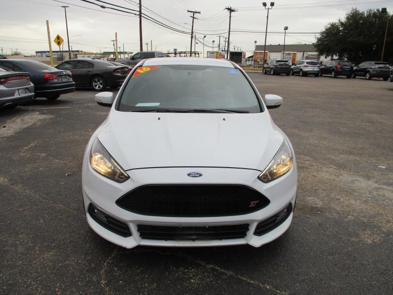 Ford Focus 2016 price $13,995