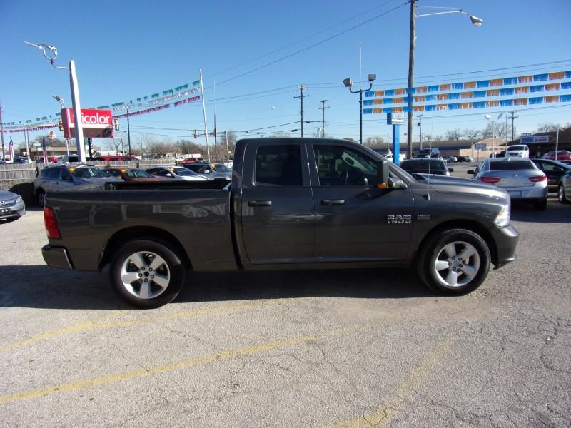 Dodge Ram 1500 2016 price $17,995