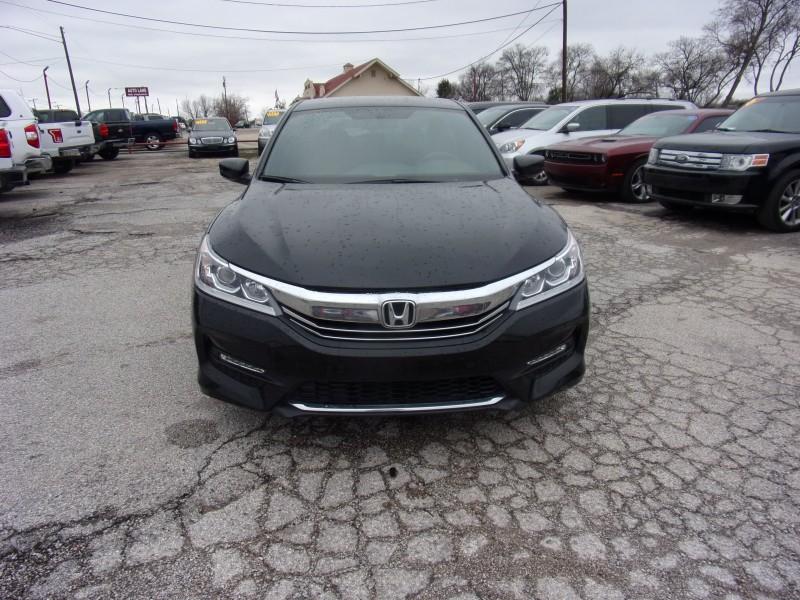 Honda Accord Sedan 2017 price $17,500