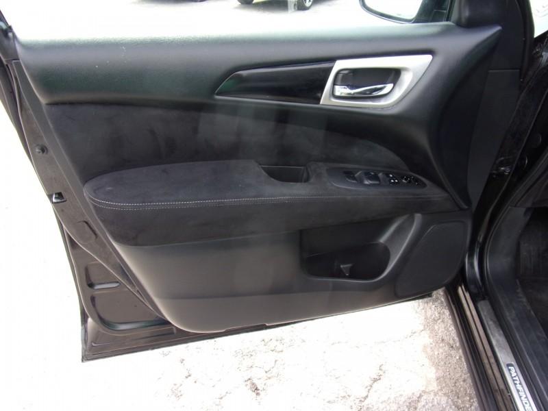 Nissan Pathfinder 2015 price $11,995