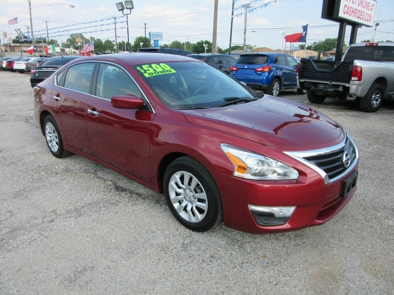 2015 Nissan Altima 500.00 TOTAL DOWN