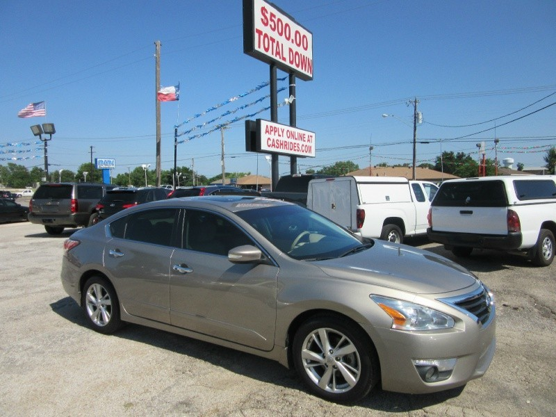 2014 Nissan Altima* 500.00 total down