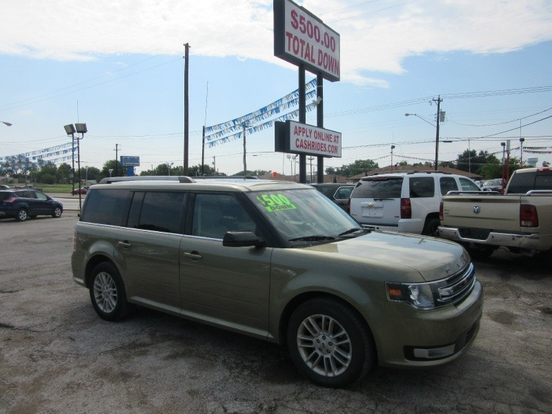 2013 Ford Flex 500.00 total down all credit